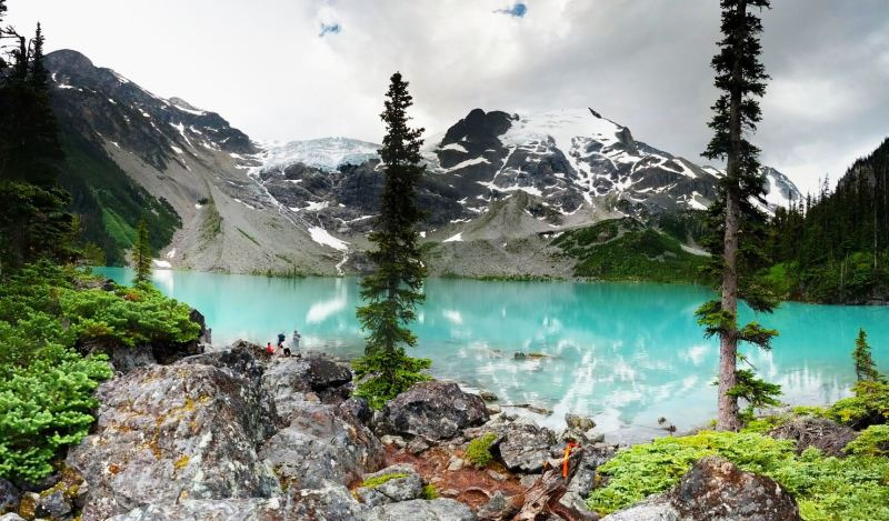 hikes near vancouver, best hikes near vancouver, best hikes in bc, amazing hikes in british columbia, top canadian hikes, hiking trails in lower mainland, epic hikes, outdoors, explore, pnw, joffre lakes, third lake, top lake, duffy, pemberton, pemby, whistler, sea to sky