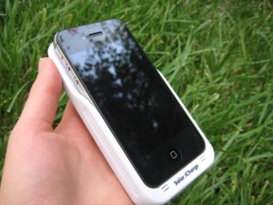 iPhone 4 in the Solar iCharge Case
