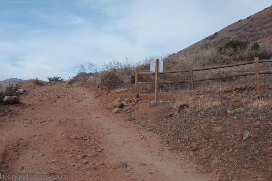 The turn off for the Bernardo Mountain Summit trail