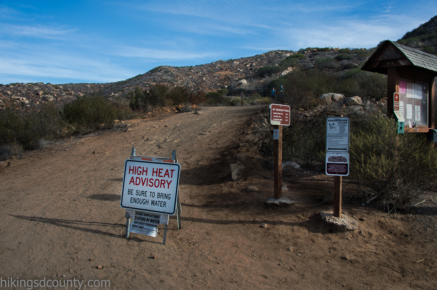 Turn off to the Mt Woodson trail