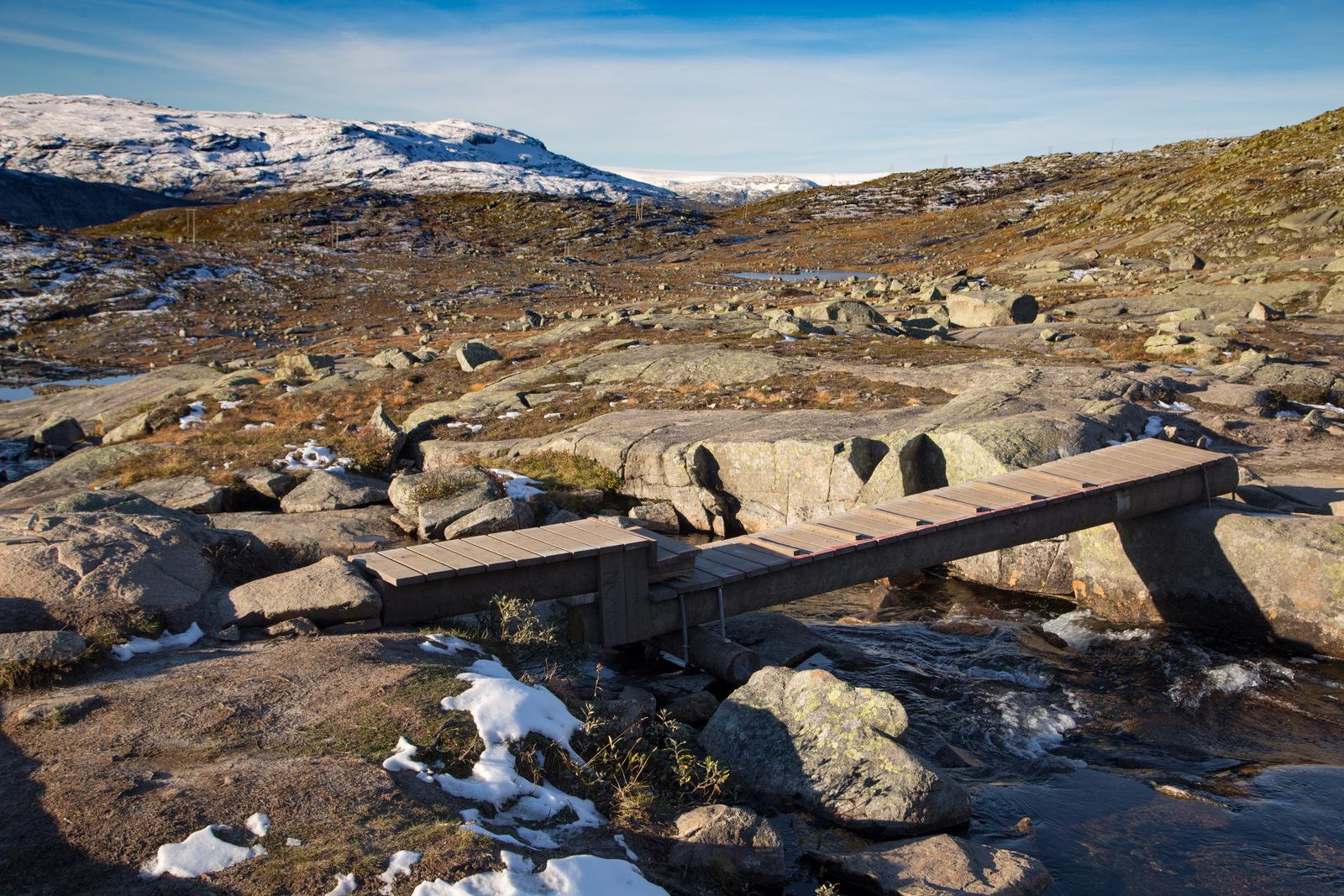 mg 4535 lr Hiking Trolltunga