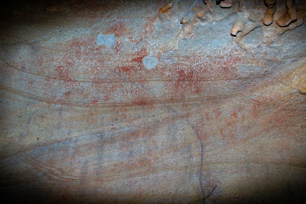 AWAT4783 LR Basin Dam Hand Stencil Shelter