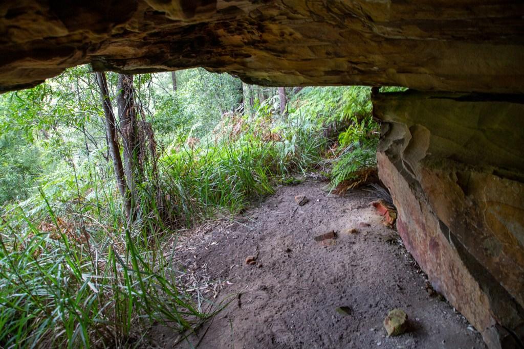 AWAT9864 LR Boomerang Cave (Apple Tree Bay)