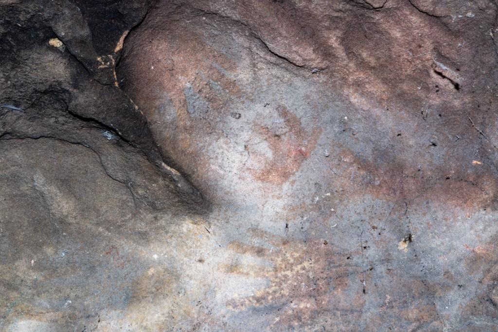 Aboriginal art in Twin Creeks Reserve