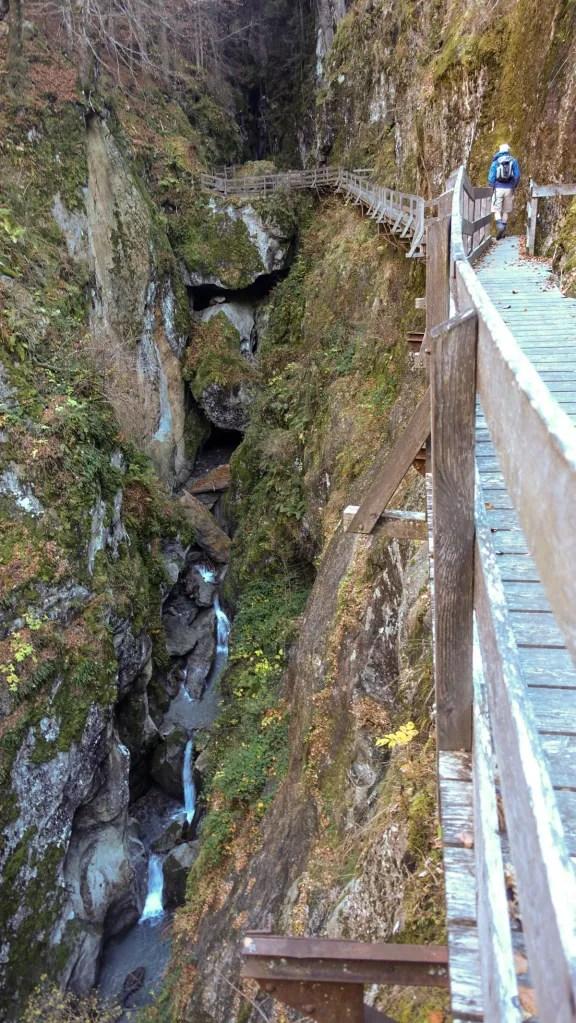 DSC02542 LR Descending into Les Gorges Mystérieuses de la Tête-Noire