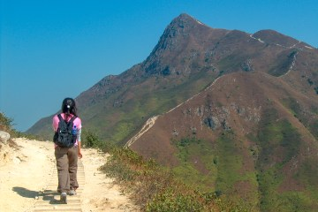 HPIM2730 LR Sharp Peak (Nam She Tsim) - one of the toughest HK peaks