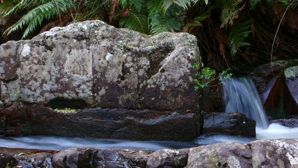 P1010165 LR Kalang Falls (Kanangra Walls)