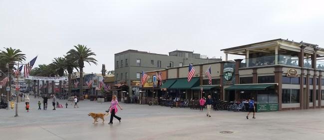 Hermosa Beach pier - Shops and Restaurants