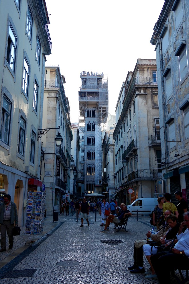 View of the lift from the Rua de Santa Justa