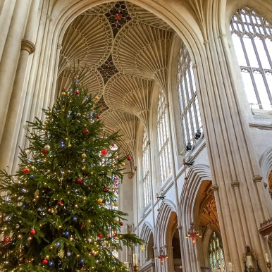 Things to do in London at Christmas Time #bathabbey