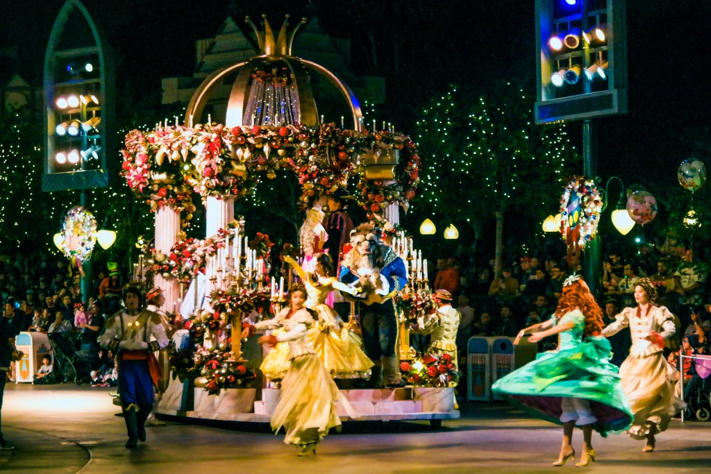 Christmas Disneyland California #disneyholidayparade