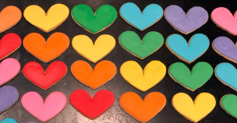 #rainbowcookies #cookiesareeverything #royalicingcookies