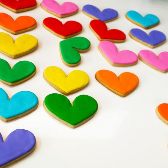 #heartcookie #valentinesdaycookies #cookieshilarystyle #cookiesareeverything #valentinecookies