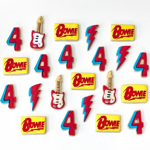 #cookieshilarystyle #davidbowie #sugarcookies #customsugarcookies #guitarcookies