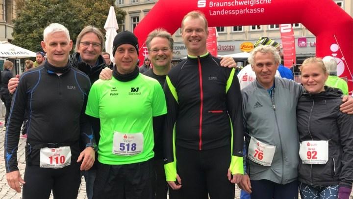 Sechs Läufer vom Lauftreff der TKJ-Leichtathletik-Abteilung waren beim Braunschweig-Marathon dabei