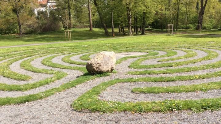 """""""Das Labyrinth blüht auf!"""""""