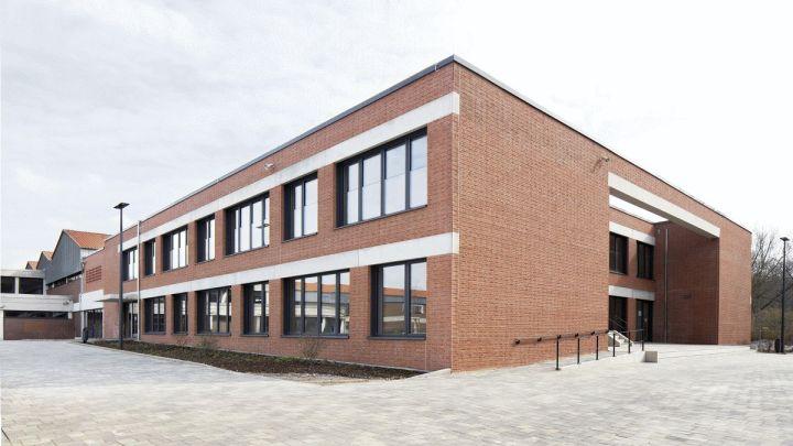 Schulbau als Vorzeigeprojekt: Erweiterungstrakt der Molitorisschule Harsum wurde für den Tag der Architektur ausgewählt – Virtueller Rundgang