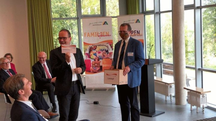 Neustart für die DJH-Jugendherberge in Hildesheim – Kleiner Festakt mit niedersächsischem Kultusminister Grant Hendrik Tonne