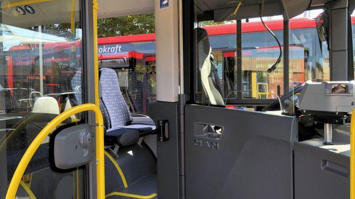 1000 Busse mit Schutzeinrichtung am Fahrerarbeitsplatz ausgestattet