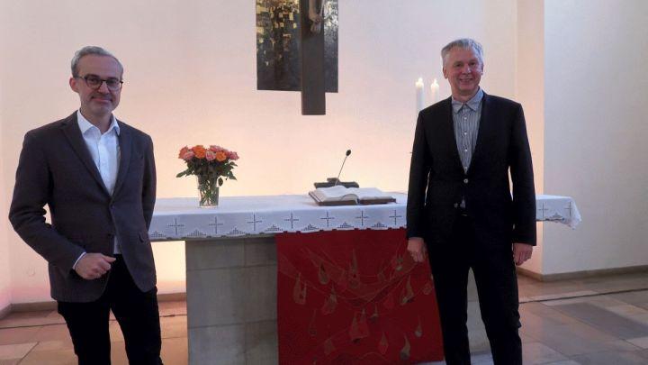 Lutz Krügener als Pastor der Martin-Luther-Kirchengemeinde eingeführt