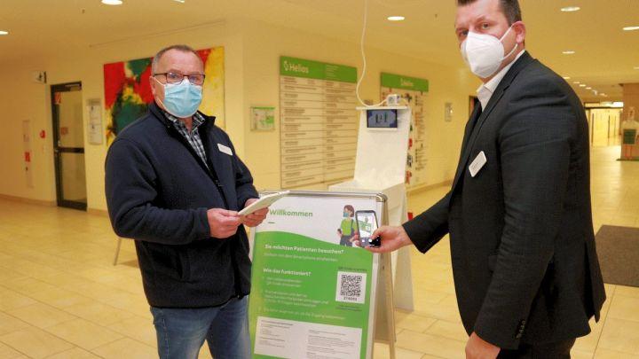 Registriert mit einem Klick – Besucher können sich im Helios Klinikum Hildesheim jetzt online per QR-Code registrieren
