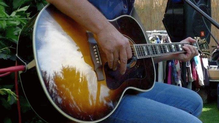 Zeugenaufruf nach Diebstahl einer Gitarre