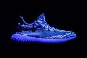 adidas-yeezy-boost-350-v2-glow-in-the-dark-1