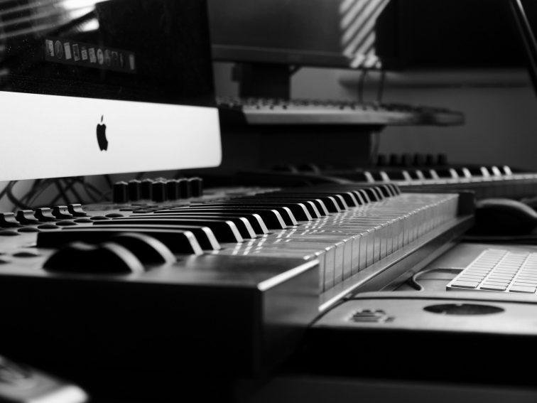 akustinen piano