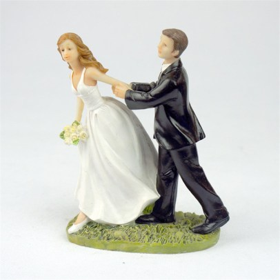 -Run-for-Love-Bride-and-Groom-Toppers-Couple-Figurine-Wedding-Funny-Cake-Topper-for-Wedding.jpg_640x640