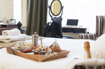 #Breakfast in bed at The William Cecil