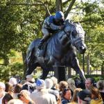 Secretariat Statue