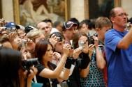 Mona Lisa photographers