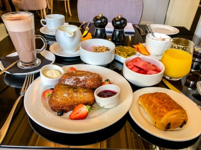 Breakfast in Windsor.