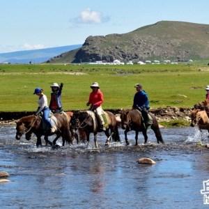 蒙古大草原騎馬