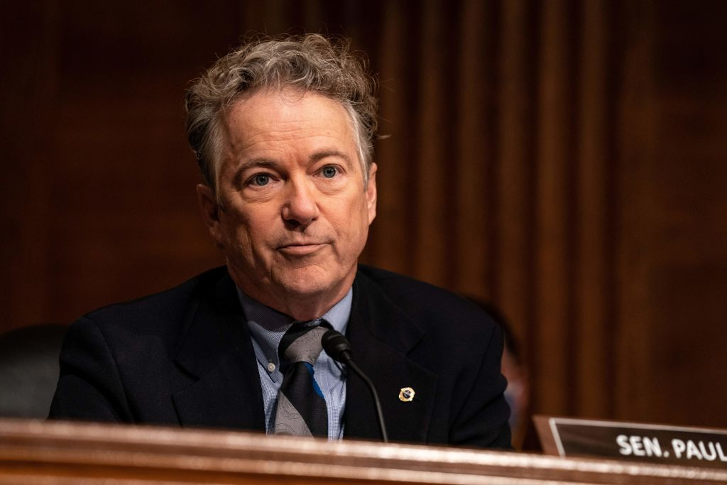 Rand Paul finally obeys mask mandate