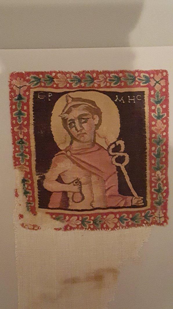 2015 Oct V&A Medieval tapestry