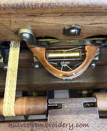 making trim on silk weaving loom