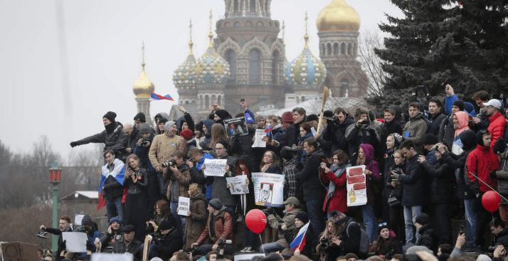 Marchan contra la corrupción en Rusia: 500 detenidos (VIDEOS)