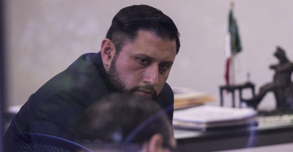 Prófugo de la justicia, Tarín pide le tomen protesta como diputado