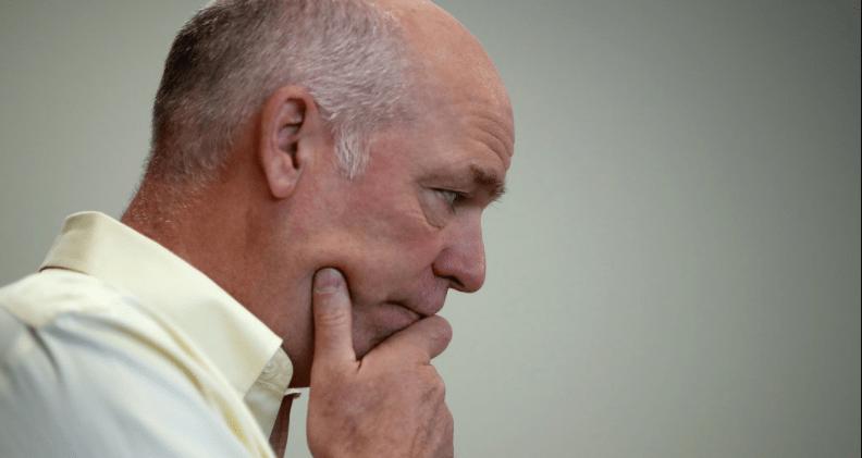 Gana republicano que agredió a periodista en Montana
