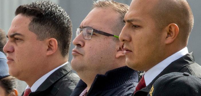 Vinculan a proceso a Javier Duarte por desvíos