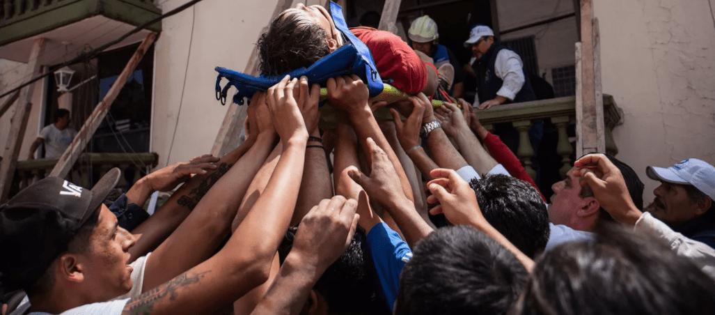 Imágenes de los voluntarios que restauran la fe en la humanidad (FOTOS)