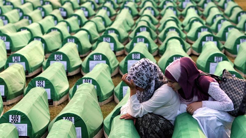 Cadena perpetua a Karadzic por genocidio en Bosnia