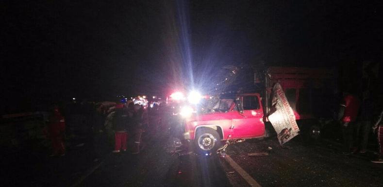 Chocan peregrinos en la México-Puebla: 11 muertos