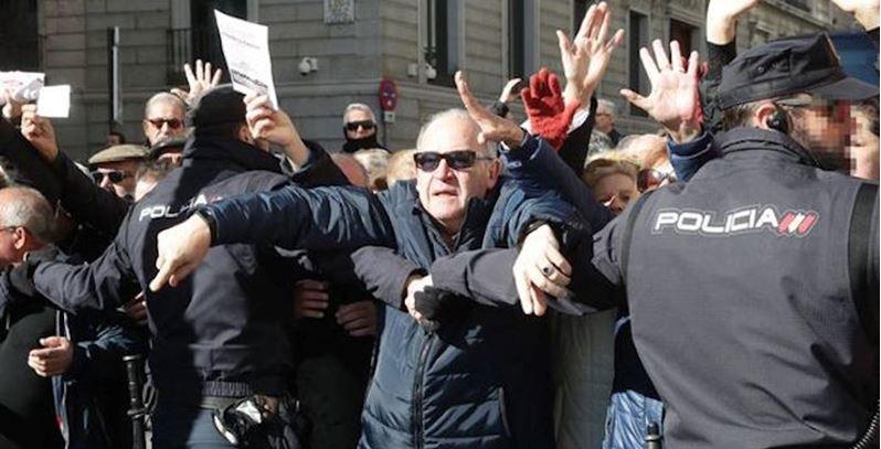 Estalla rebelión de los jubilados en España
