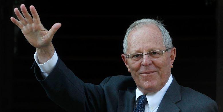 Tras encándalo de Odebrecht, renuncia presidente de Perú