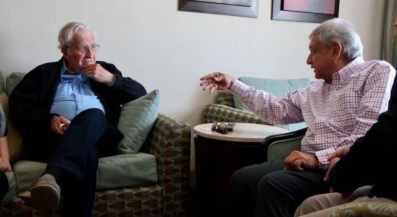 Noam Chomsky y López Obrador sostienen encuentro en Sonora (VIDEOS)