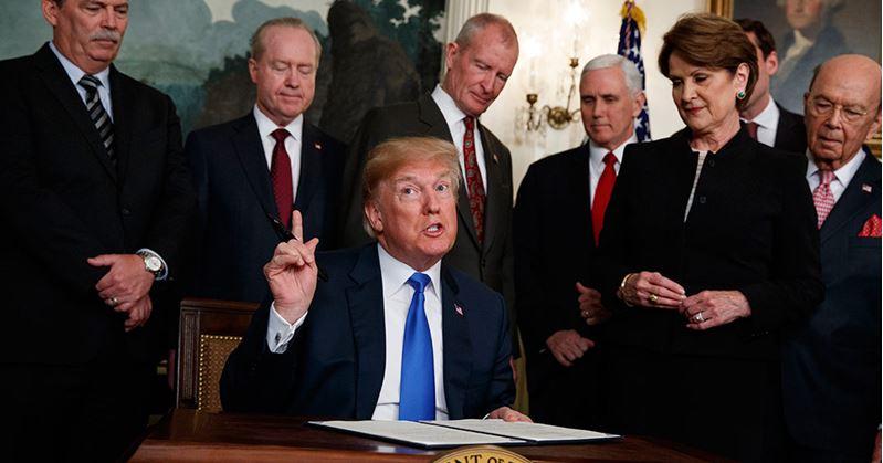 Trump impone aranceles a China por 60 mil mdd
