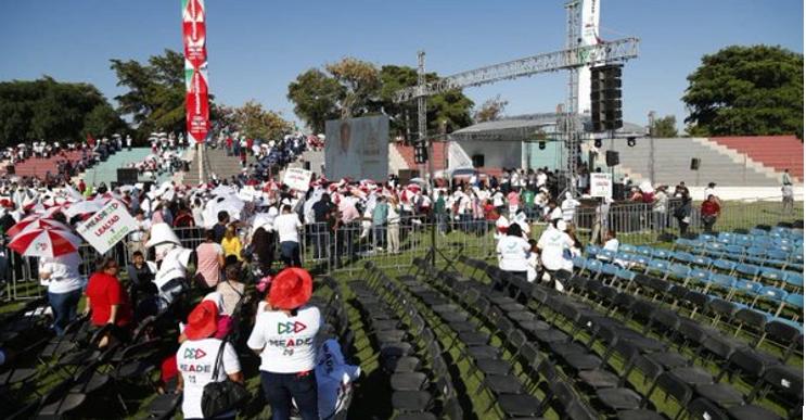 Pese al acarreo, Meade no logra llenar estadio en Guasave, Sinaloa