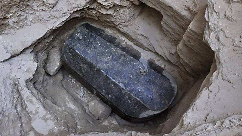 El sarcófago más grande jamás hallado podría pertenecer a Alejandro Magno